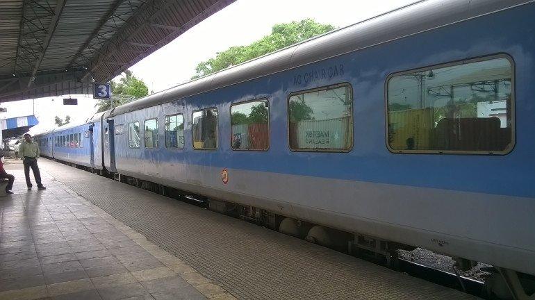 अनधिकृत टिकट बेचने वाले दलालों के खिलाफ सेंट्रल रेलवे की कार्रवाई