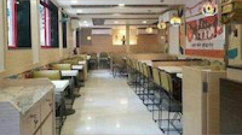 Mumbai: Restaurants' Association urges BMC to reconsider its decision to continue Level 3 curbs
