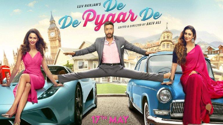 आधी उम्र की लड़की के साथ 'दे दे प्यार दे' में रोमांस करते नजर आए अजय देवगन