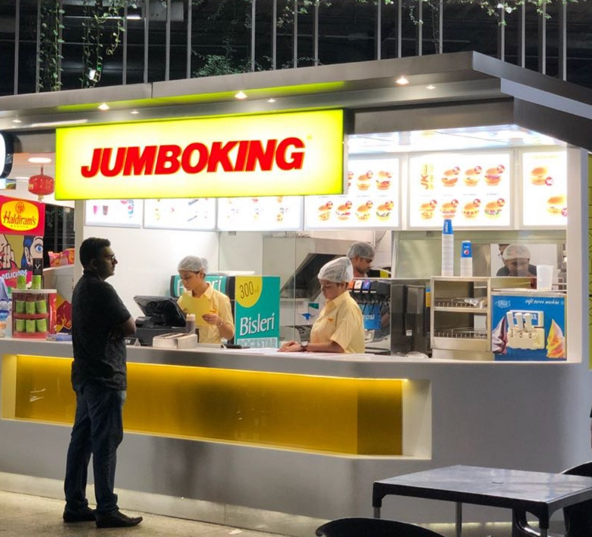 The share of ordering food has increased from 2 to 8 per cent in one year: Jumboking Owner Dheeraj Gupta