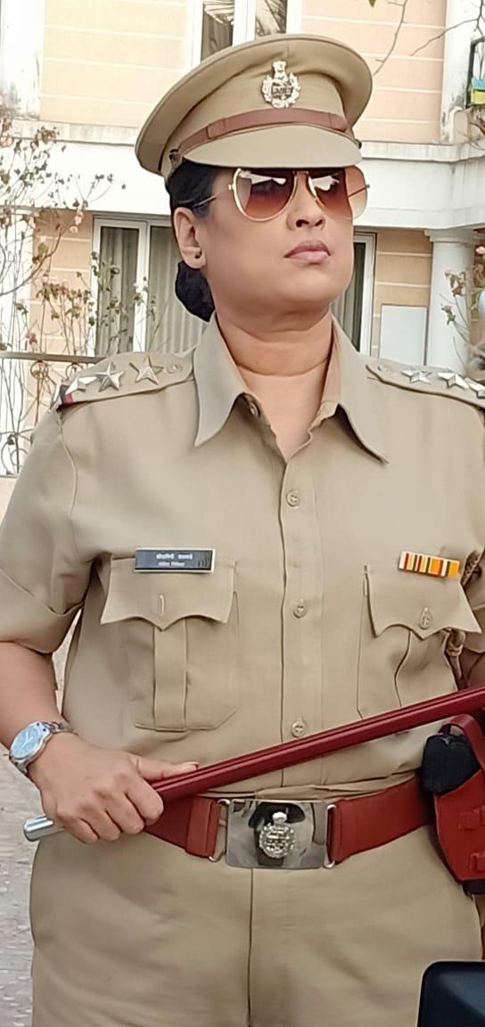 हर्षदा बनली पोलिस अधिकारी