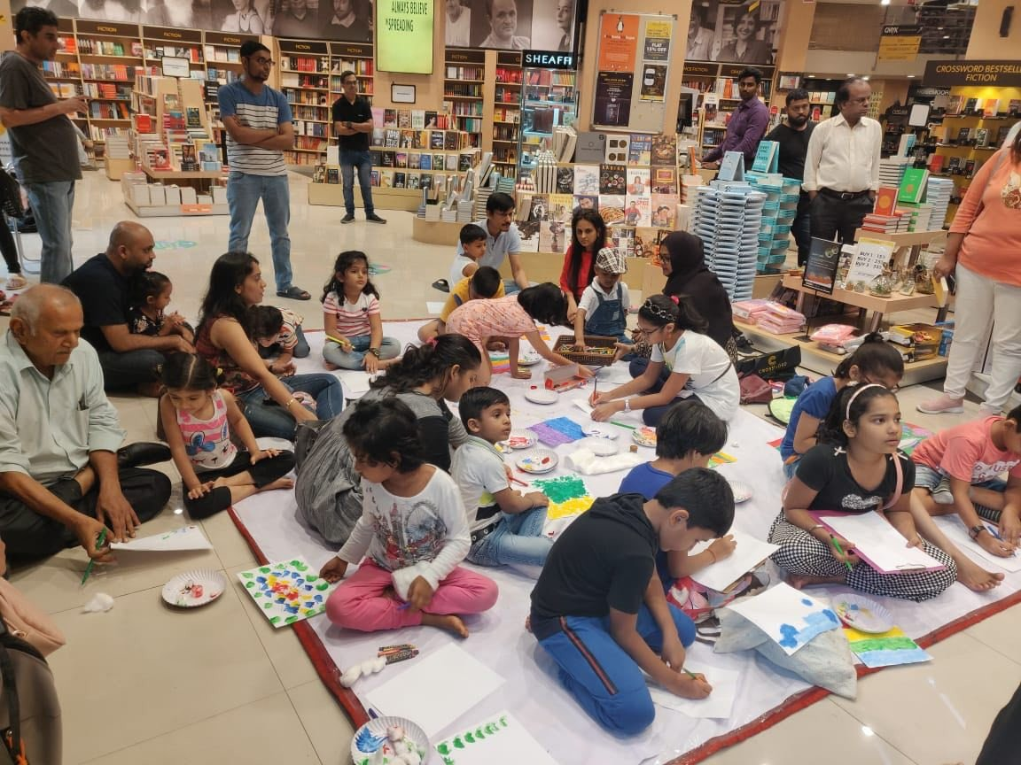 Kids Joined In For Some Fun Story-telling and Lots of Doodling with Shamika Chaves at Crossword Bookstores