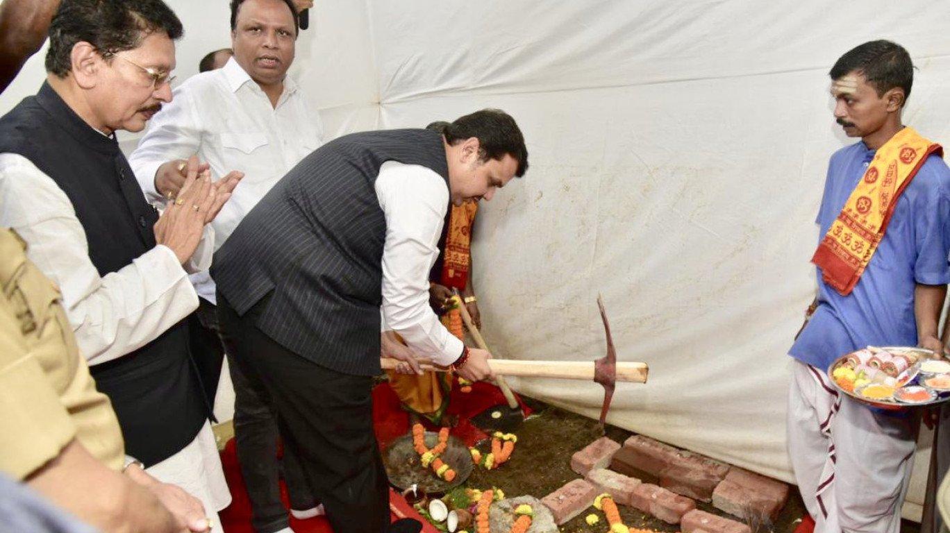 CM Devendra Fadnavis lays foundation stone for Cyber Cell in Mumbai