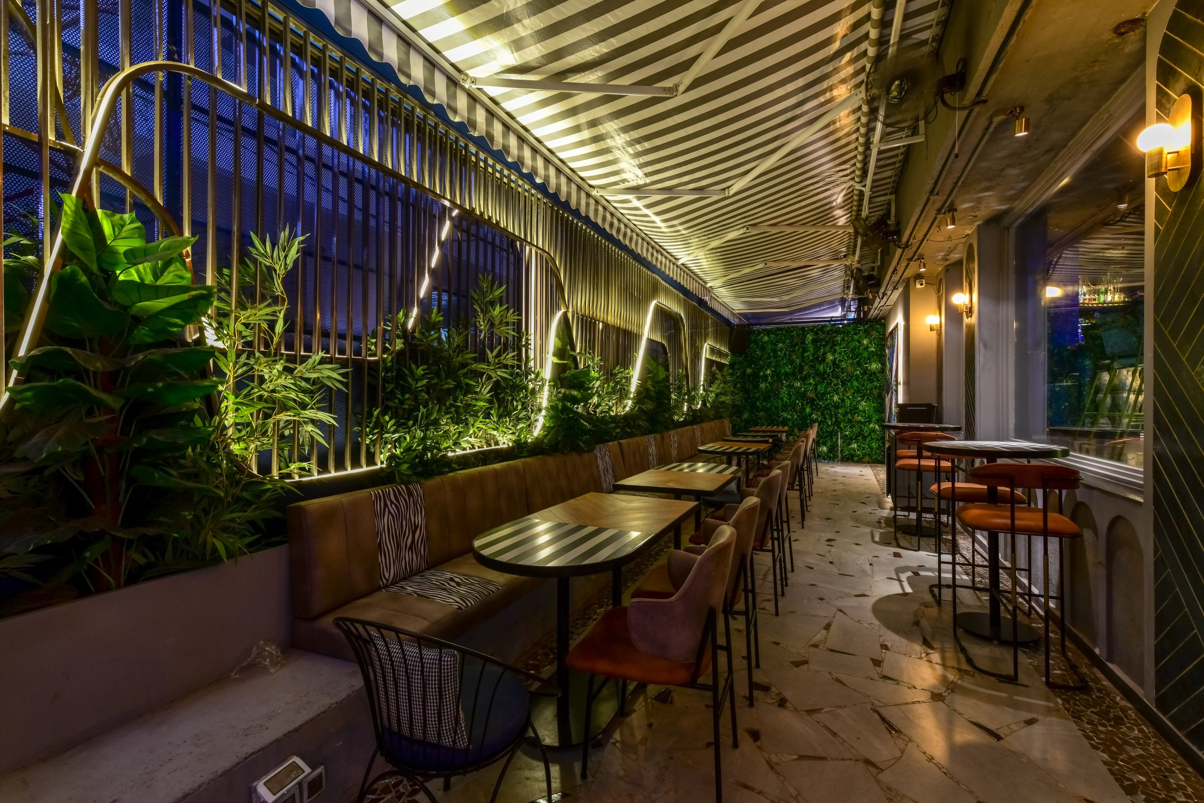 Radio Bar 2.0: Khar's popular nightlife spot is back with a redone menu and vibrant interiors