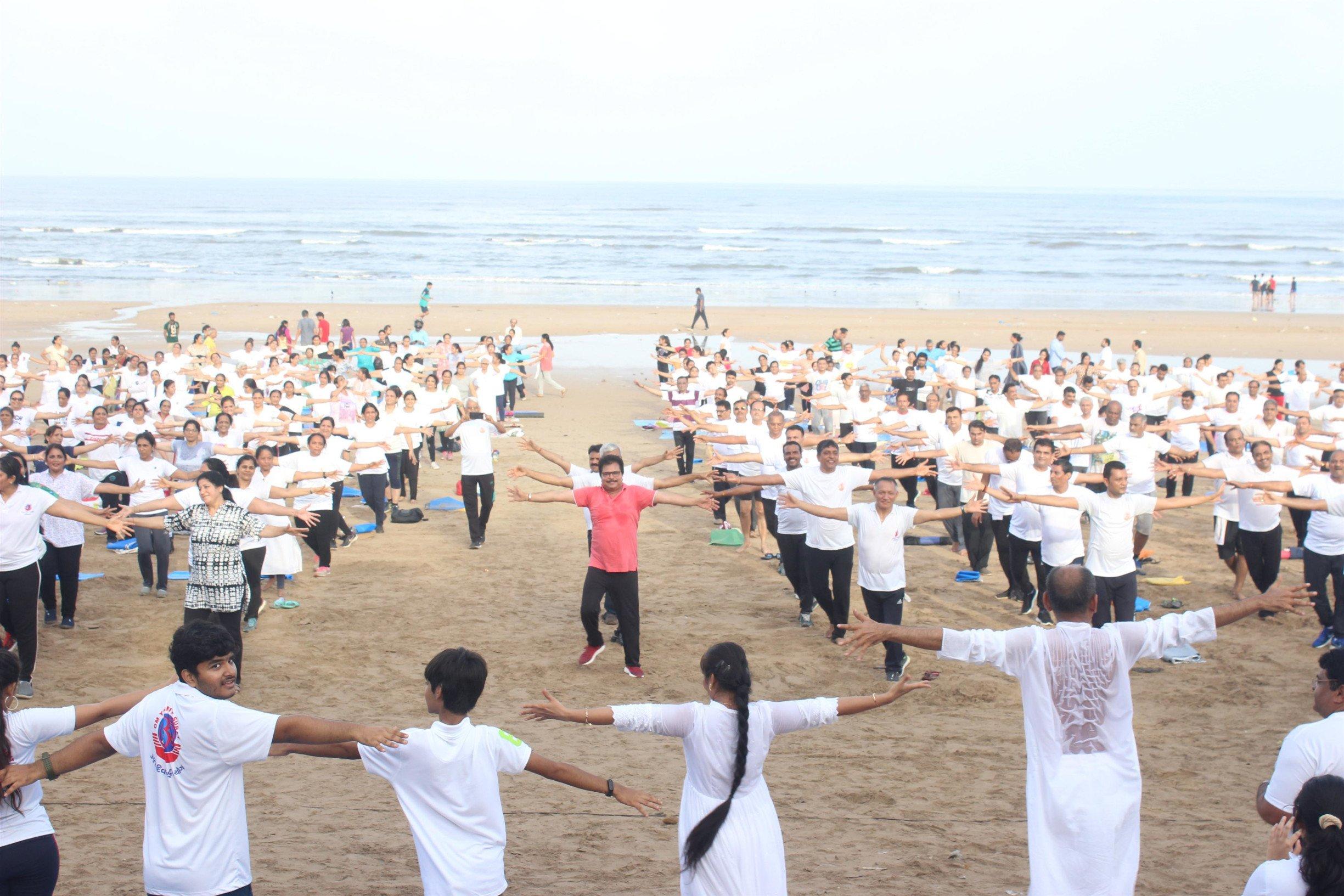 'अंतरराष्ट्रीय योग दिवस' पर शैलेश लोढ़ा और असित मोदी  का दर्शकों को हेल्थ से जुड़ा संदेश!