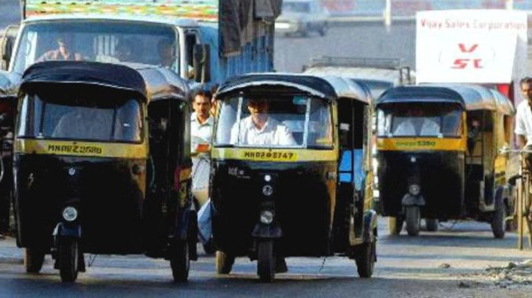 शेयर रिक्शा और टैक्सीवालों ने भी कम किये किराये