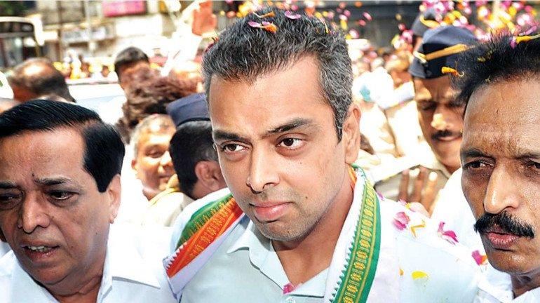 दिल्ली में आप से लड़ी कांग्रेस , लेकिन कांग्रेस नेता मिलिंद देवड़ा ने की केजरीवाल की तारीफ!