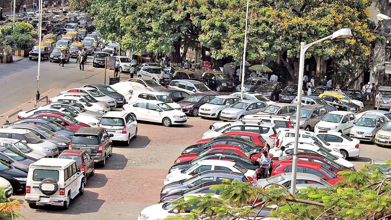 'नो पार्किंग'चा जबर दंड की तोंड दाबून बुक्क्यांचा मार?