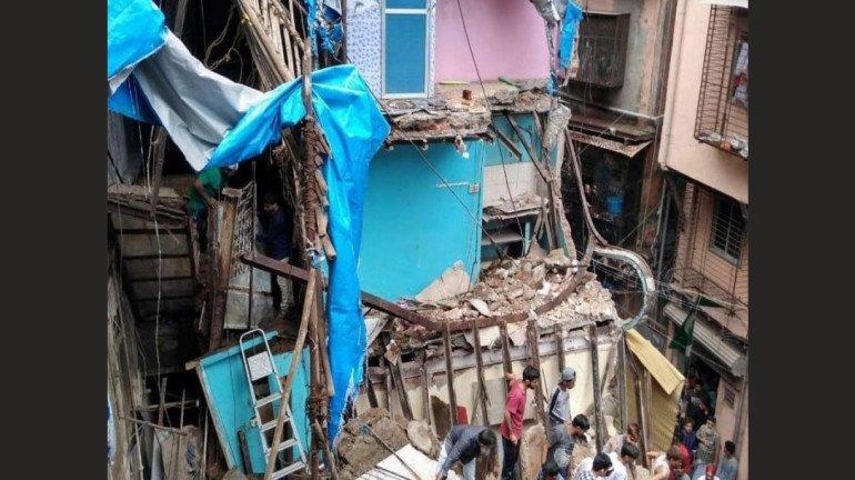 डोंगरी इमारत दुर्घटना: विकासकाची चौकशी करणार- मुख्यमंत्री