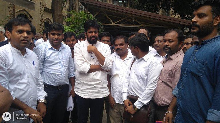 प्रहार संगठन ने किया मुंबई विश्वविद्यालय में विरोध प्रदर्शन