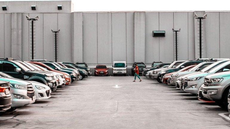 Public Parking Should Be Allowed In 5 Societies In Each Ward: BMC