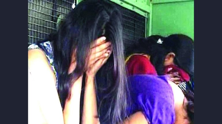 सेक्स रॅकेट प्रकरणात ५ महिलांना अटक