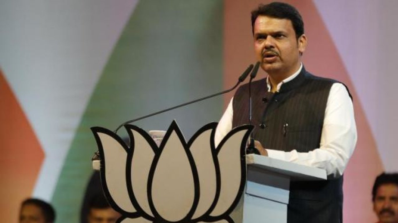 CM Fadnavis, Cabinet Ministers To Donate A Month's Salary To Sangli and Kolhapur Flood Victims