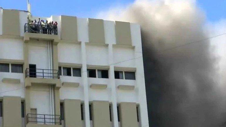 बांद्रा MTNL इमारत में लगी आग में कोई घायल नहीं