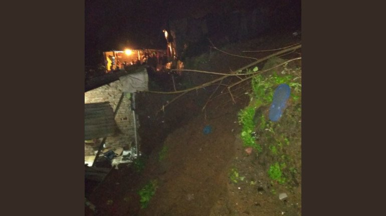 House wall collapses due to landslide in Thane; Two people found dead