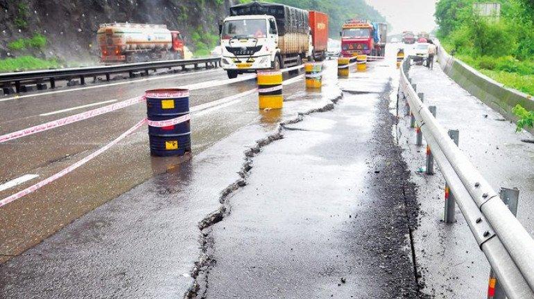 Lane on Mumbai-Pune Expressway caves in near Adoshi tunnel