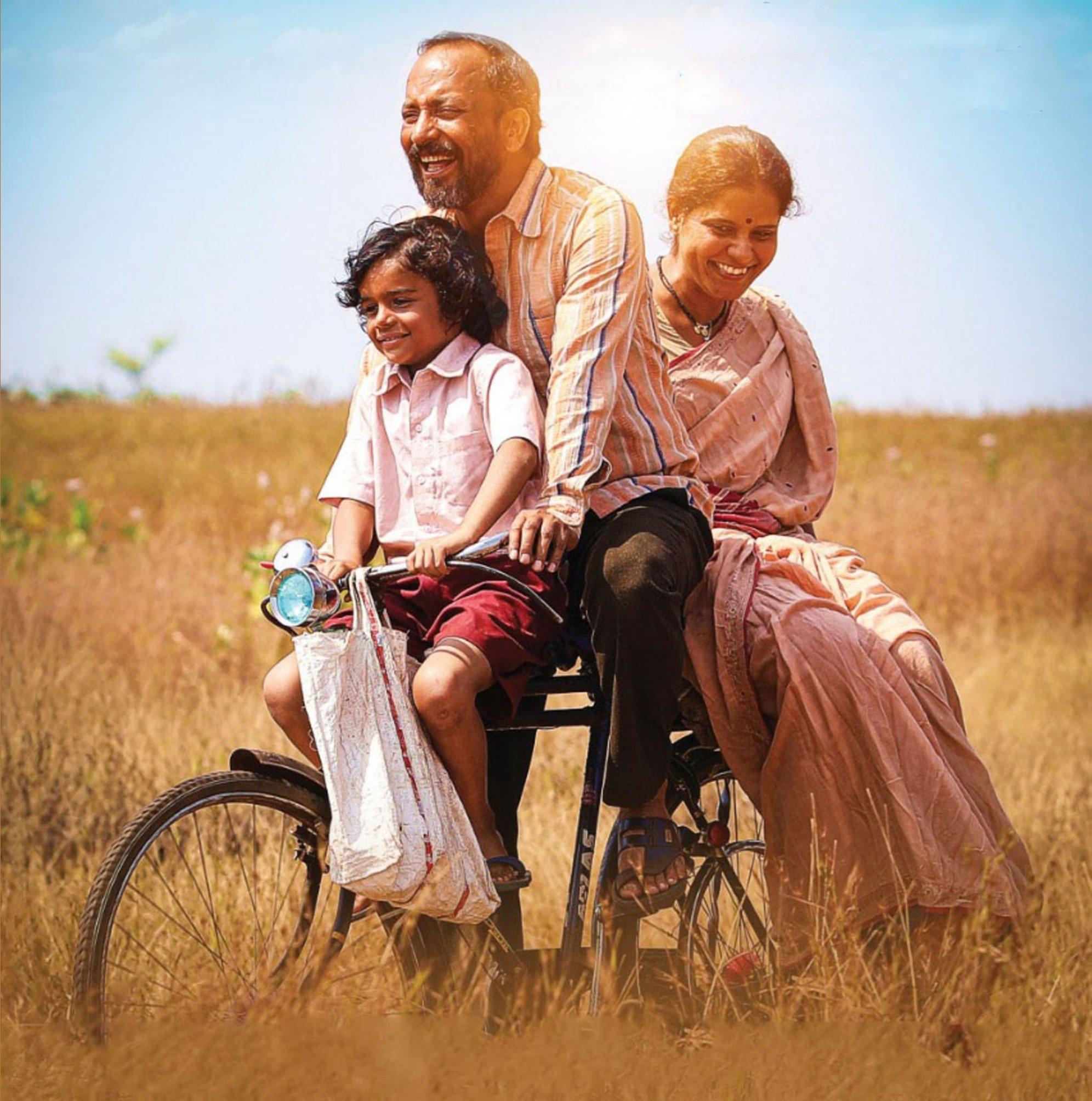 Movie Review: मूक-बधीर 'बाबा'ची हृदयस्पर्शी कथा