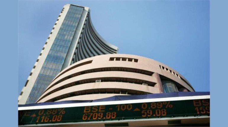 Amidst economic slowdown, Sensex tanks down by 769 points