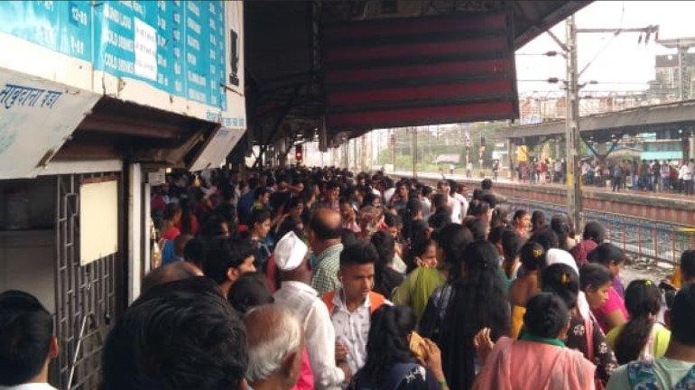 Mega Block on Western Railway and Central Railway on Nov 29