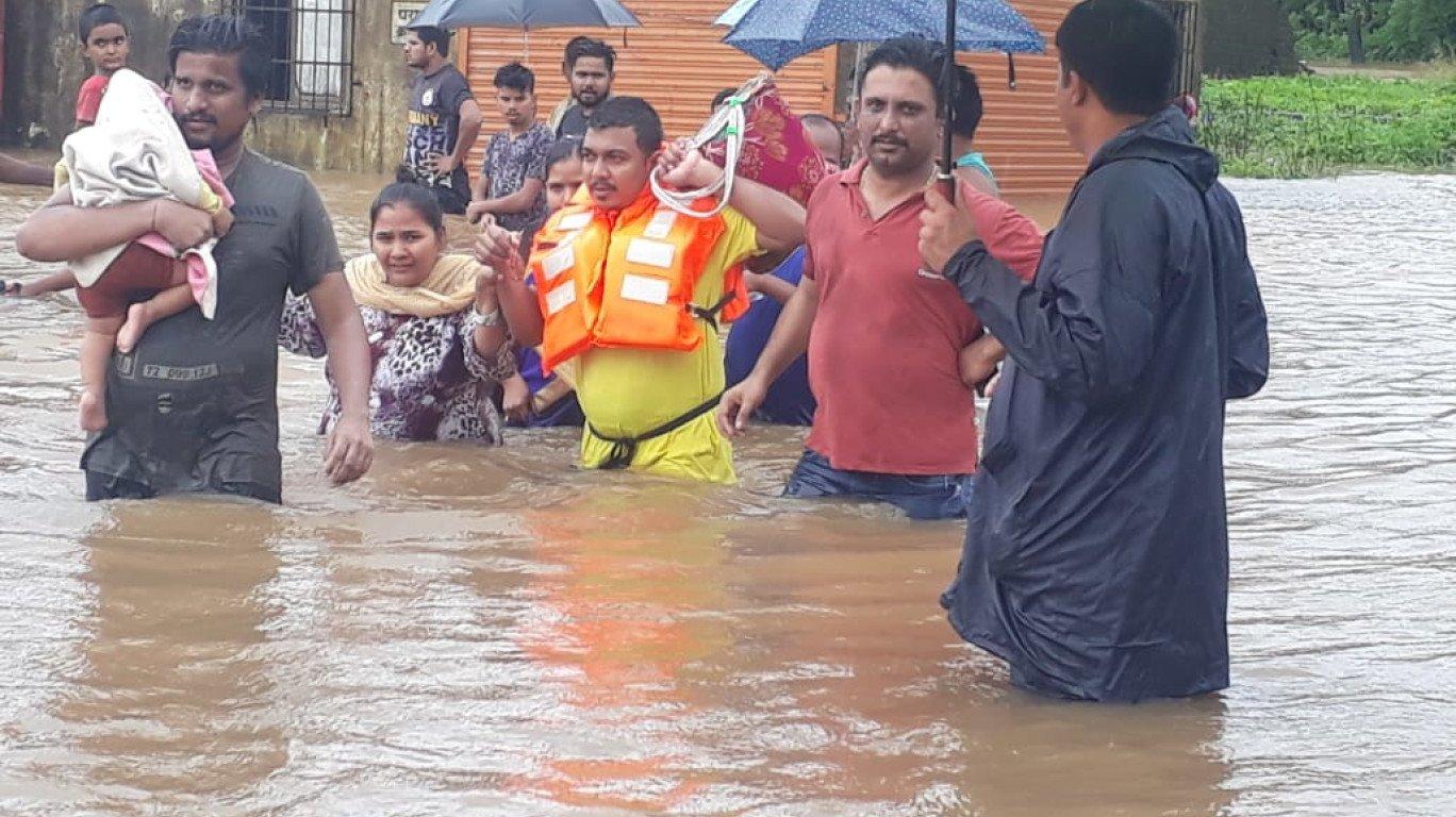 Mumbaikars warned of heavy rainfall for the next 36 hours