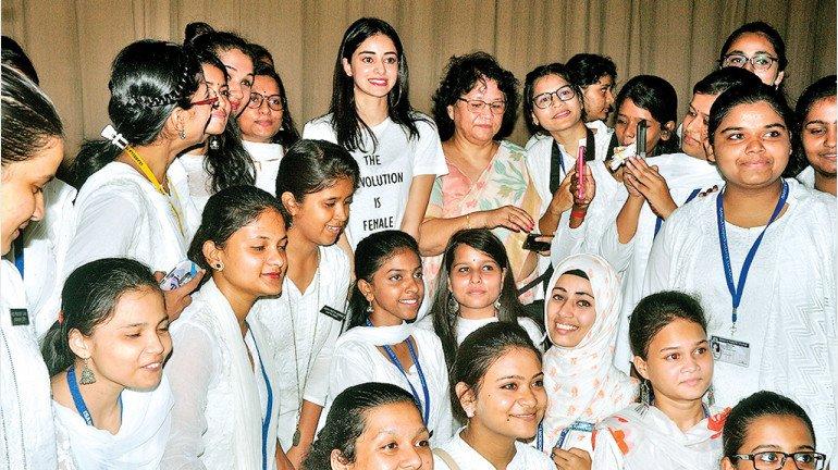 अनन्या पांडे  के 'सो पॉजिटिव' को मिला बेहतर रिस्पॉन्स,  17 कॉलेज ने किया एक्ट्रेस को इनवाइट!
