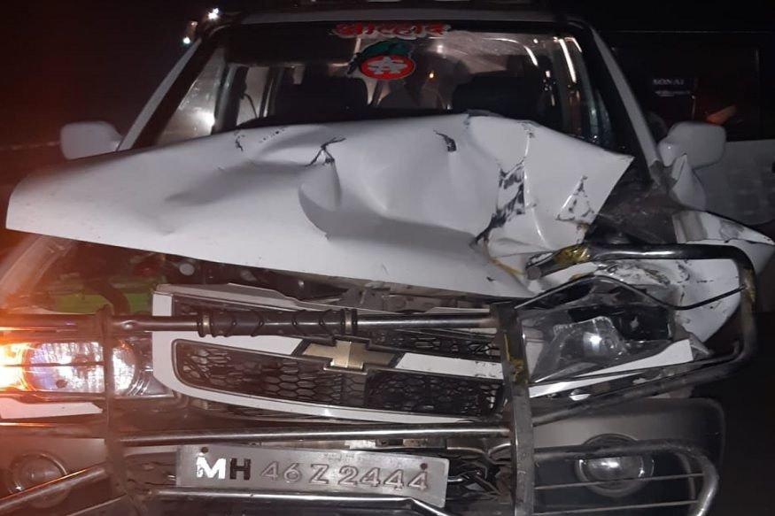 गायक आनंद शिंदे यांच्या गाडीला अपघात, सुदैवाने थोडक्यात बचावले