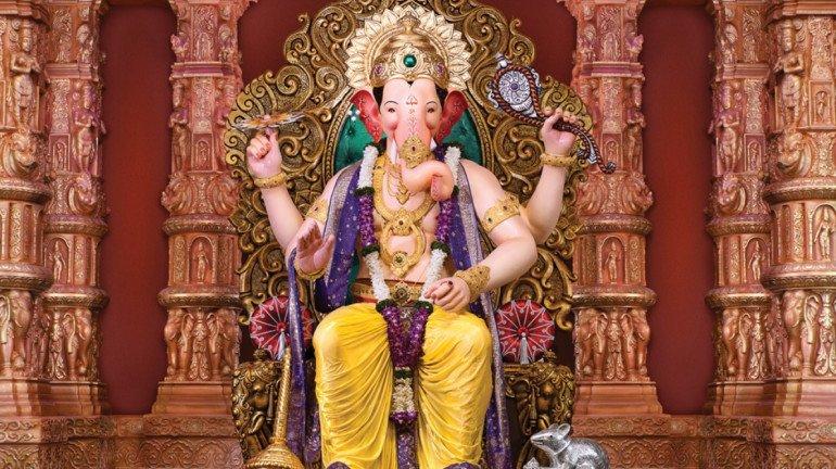 'परंपरा मत तोड़ो, 4 फीट की ही मूर्ति स्थापित करो' भक्तों ने की 'लालबाग के राजा' मंडल से निवेदन