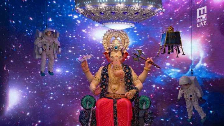 Ganesh Utsav 2019: Yet Again, Secret Santa For Lalbaugcha Raja