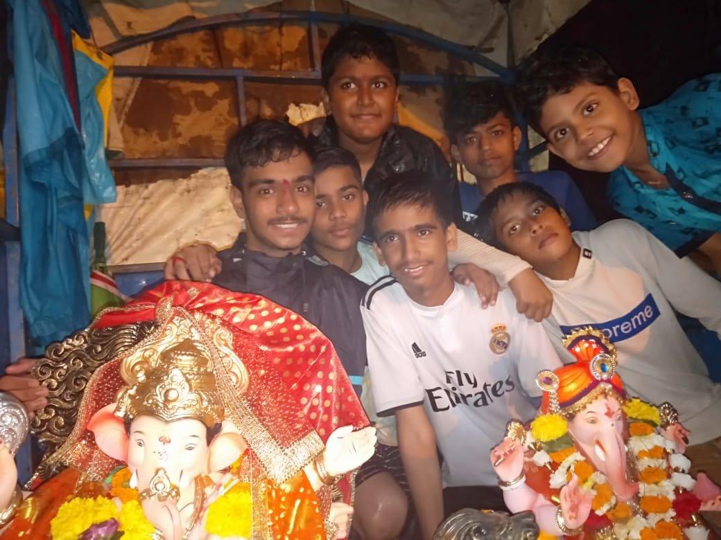 हिंदू-मुस्लिम एकता की मिसाल:  हिंदू परिवार मनाता है मुहर्रम तो मुस्लिम परिवार है गणेश भक्त