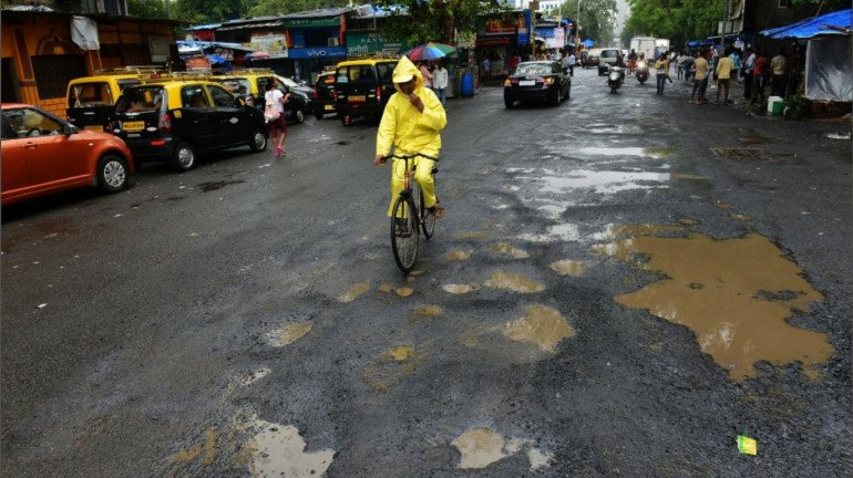 """""""Action will be taken against officials if pothole is seen during monsoon"""": NMMC chief sets a deadline to complete all works"""