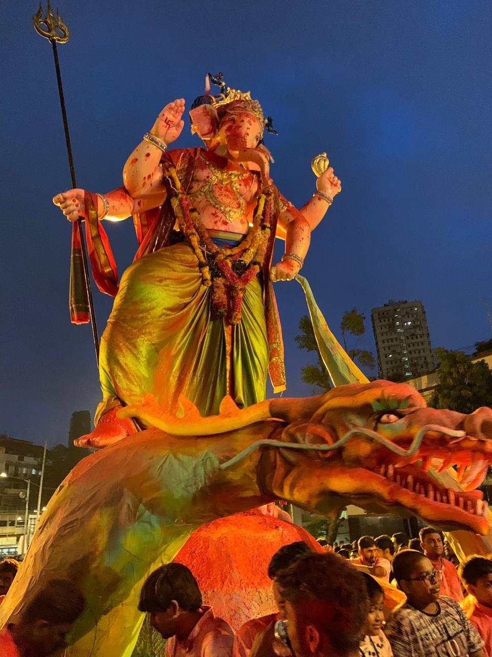 तस्वीरों के माध्यम से देखिए बप्पा के विदाई की मनमोहक मूर्तियां