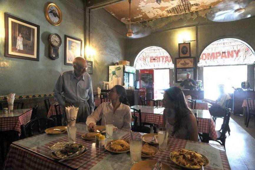 ब्रिटानिया अॅण्ड कंपनी रेस्टॉरंटचे मालक बोमन कोहिनूर यांचं निधन