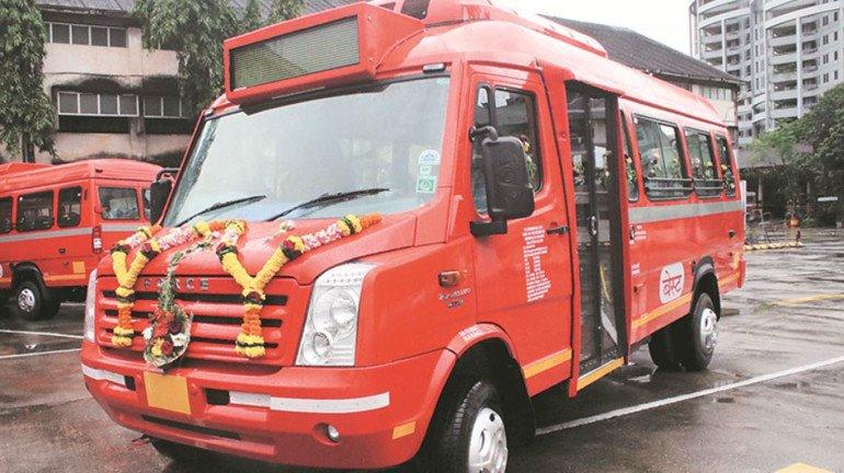BEST Corporation's AC mini buses run on Mumbai roads