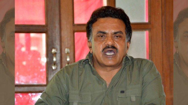 Sanjay Nirupam urges Sonia Gandhi to dissolve the CWC