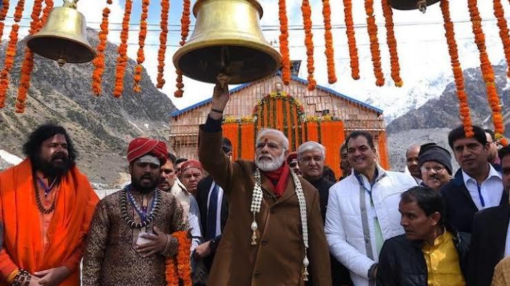 चुनाव नतीजे घोषित होने के पहले मुख्यमंत्री ने किए केदारनाथ के दर्शन।
