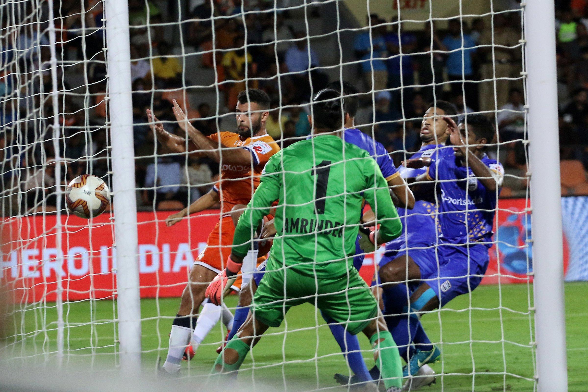 ISL 2019/20: Mumbai City FC bested by FC Goa in a six-goal thriller
