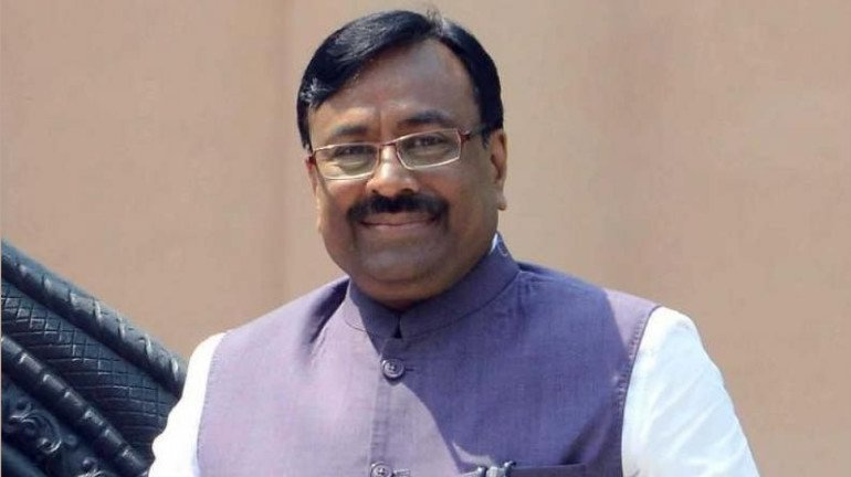 Amid political crisis in Maharashtra, BJP adopts wait and watch policy