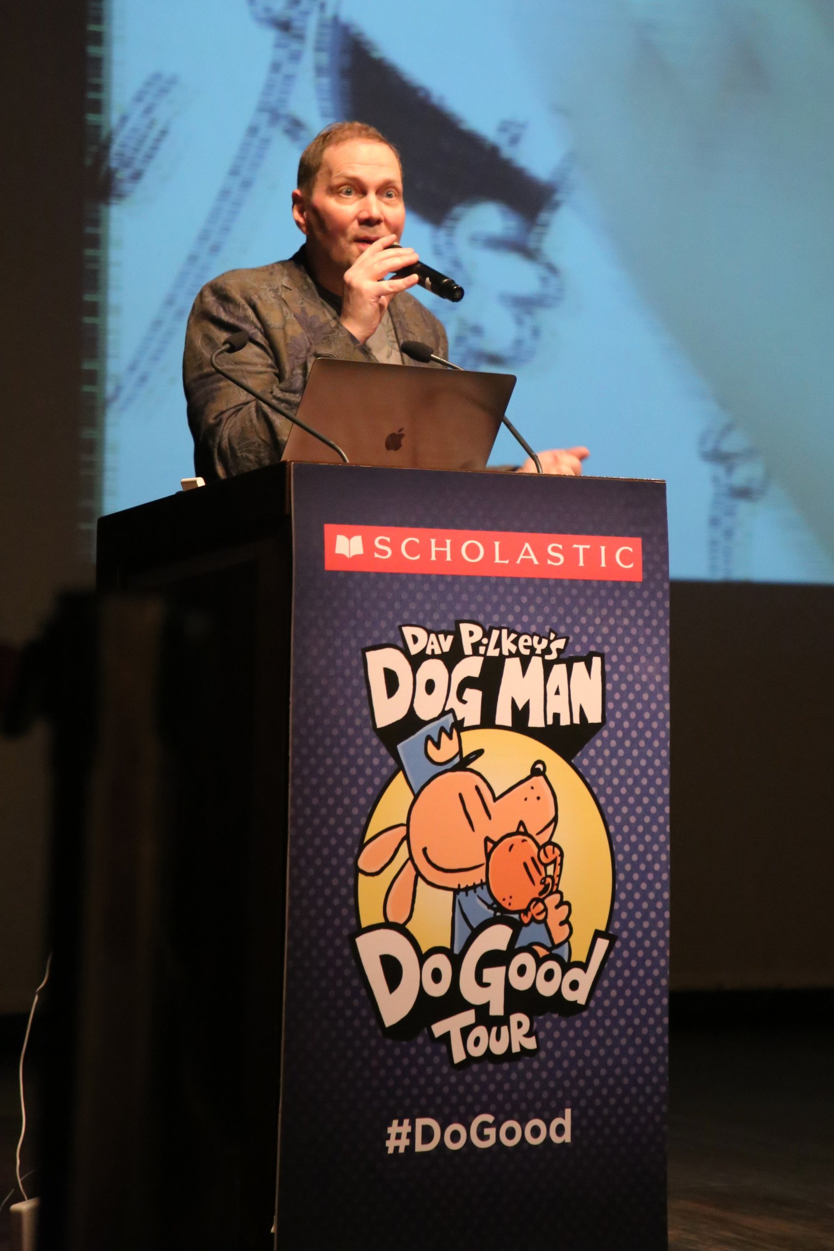 Students From Mumbai's Schools Interact with US Based Author and Illustrator Dav Pilkey