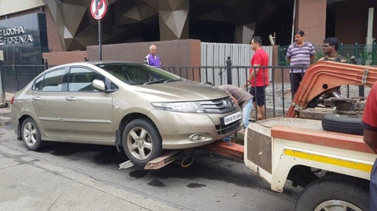 बीएमसीची अनधिकृत पार्किंगवर कारवाई, ३ दिवसात 'इतका' दंड वसूल