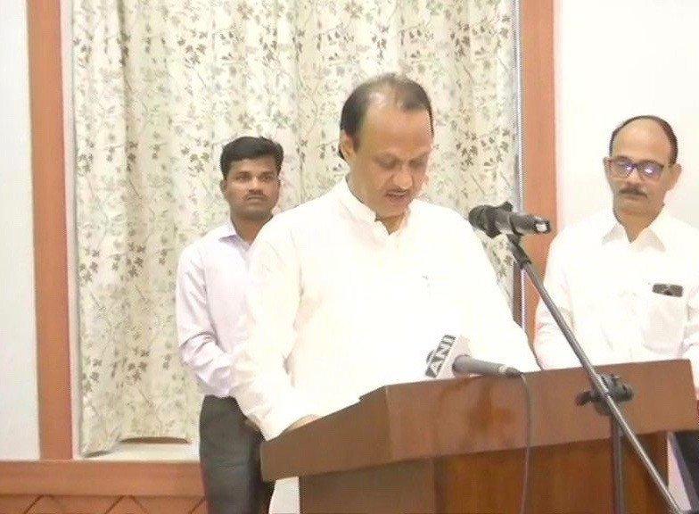 Devendra Fadnavis takes oath as Maharashtra CM, Ajit Pawar becomes Deputy CM