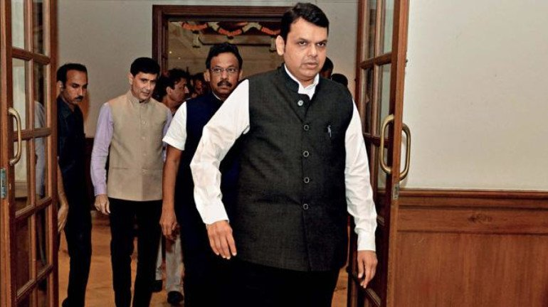 Devendra Fadnavis challenges Shiv Sena to contest mid-term polls