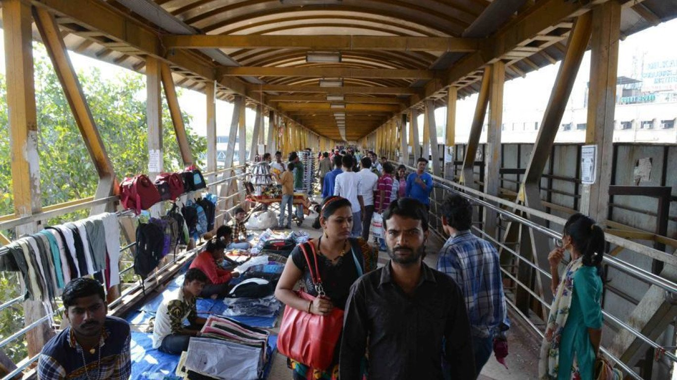 Railway Police take action against 835 hawkers