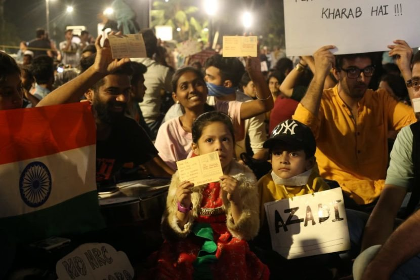 """""""Enough is Enough"""": Students, children gather in solidarity with JNU students at Carter Road"""