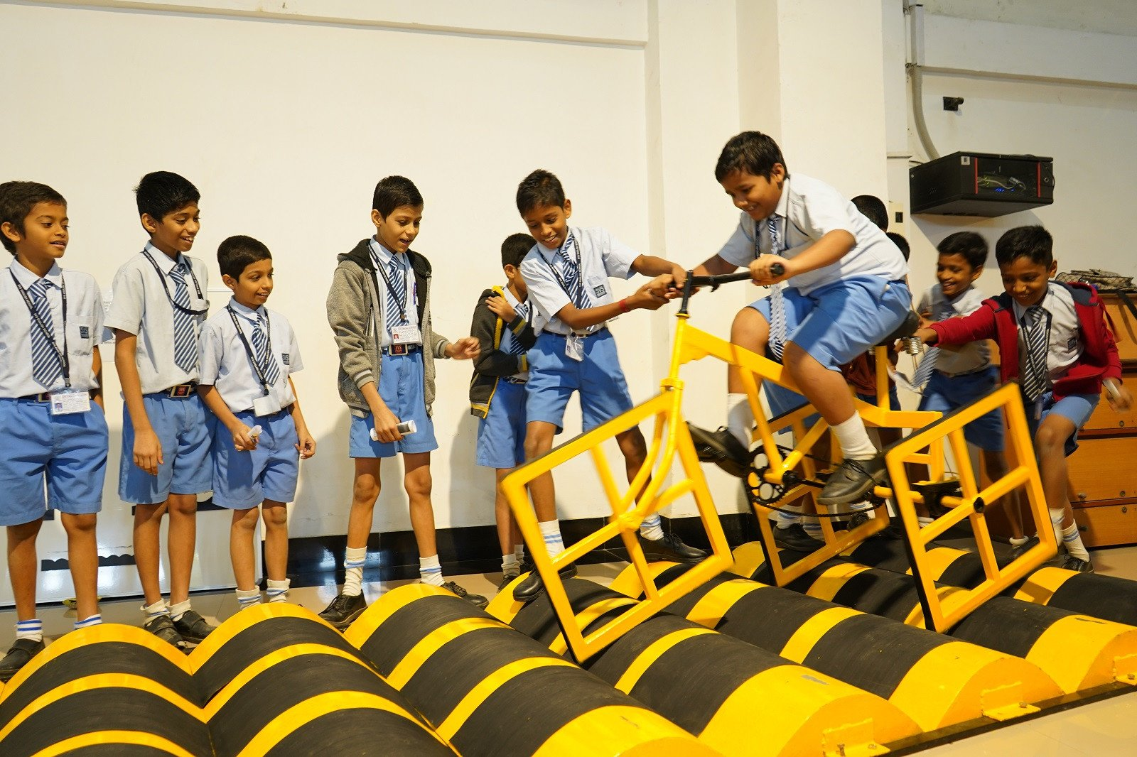 Government School Children Display Innovative Prototypes at 'Innovation Carnival'