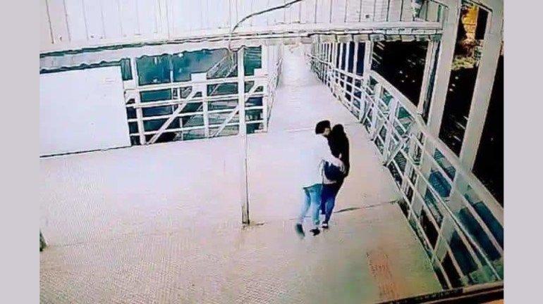 महिलाएं कब होंगी सुरक्षित? माटुंगा स्टेशन में छात्रा के साथ दिनदहाड़े बदसलूकी, video आया सामने