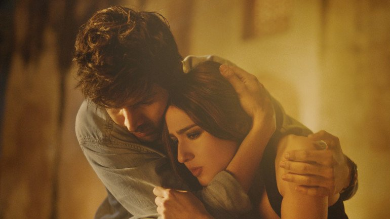 Love Aaj Kal's new song 'Mehrama' is about being lonely in a crowd