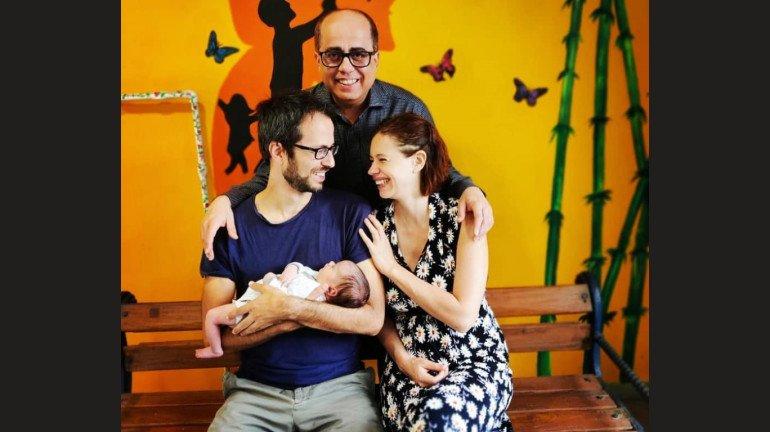 बिन शादी के मां बनने वाली कल्कि कोचलिन ने शेयर की बेटी की पहली तस्वीर