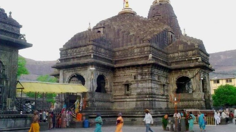 महाशिवरात्रि पर त्र्यंबकेश्वर मंदिर में  गर्भगृह में दर्शन नहीं