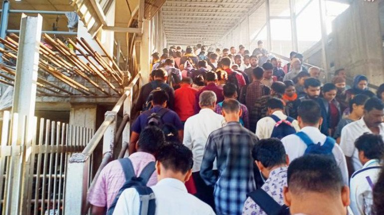 Thane Station: An accident in the making?