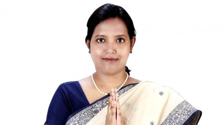 Varsha Gaikwad: SSC and HSC exams will be conducted offline